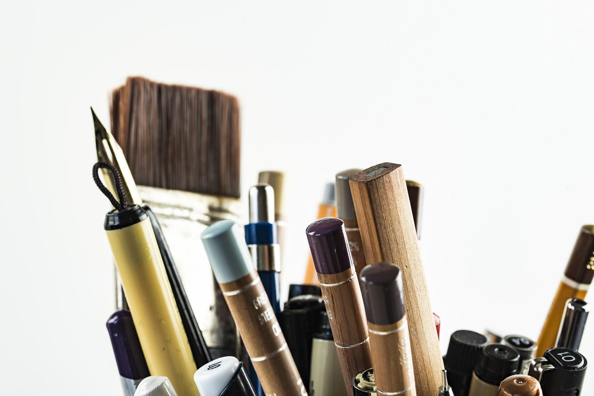 writing and painting utensils